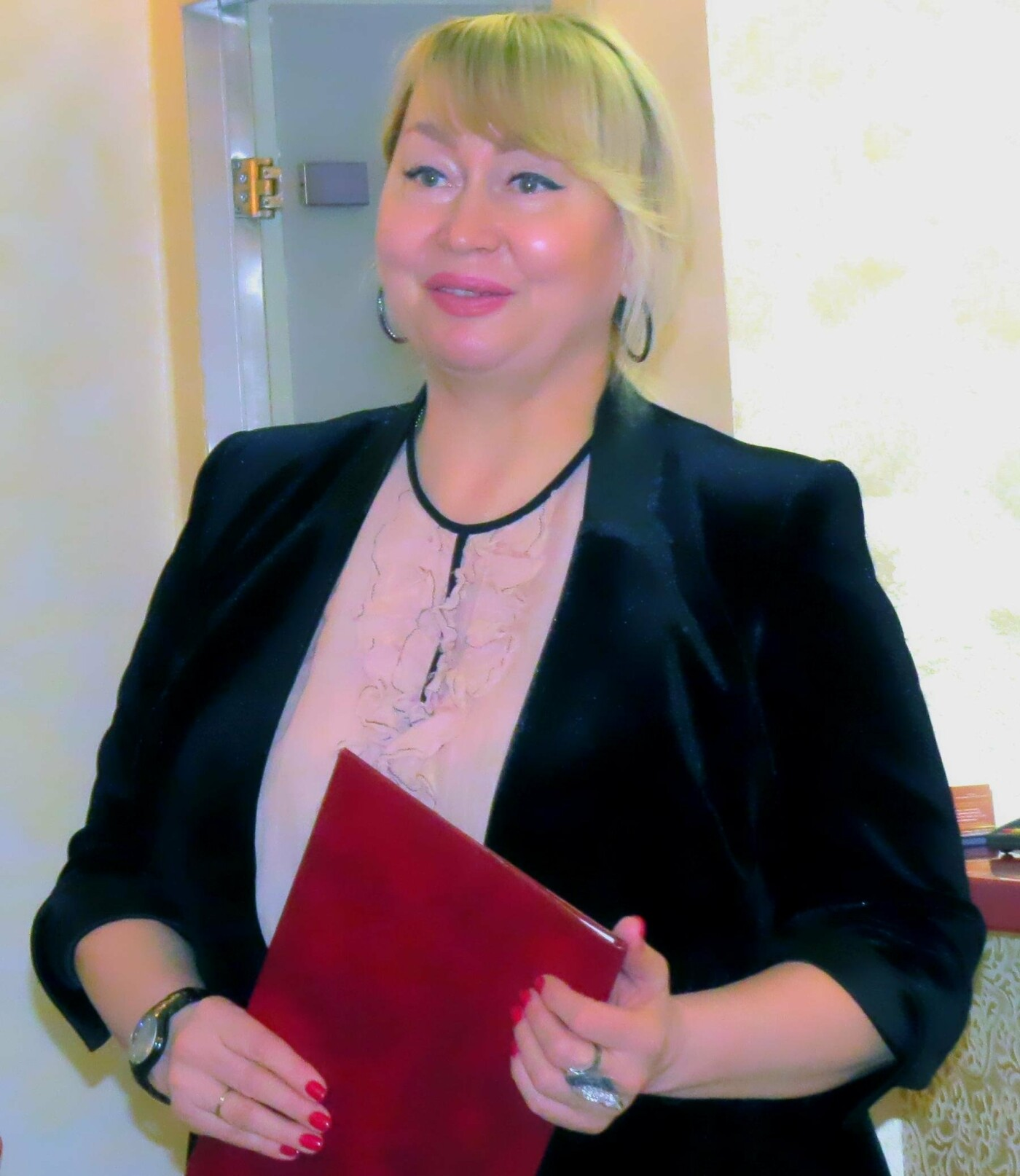 Татьяна Прокопьевна Кияш встречает гостей центра