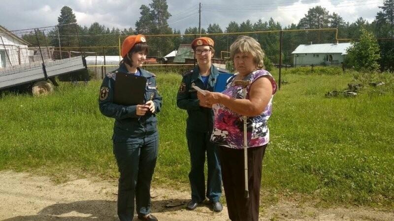 Работа по информированию с населением посёлка Весёлый Кут в Ухтинском районе