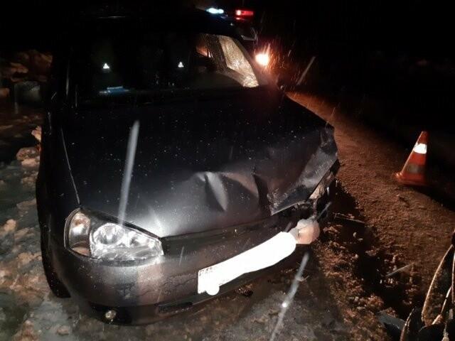 Один изх пострадавших легковых автомобилей на месте происшествия вблизи п..., Фото предоставлено пресс-службой Управления ГИБДД МВД по Республике Коми