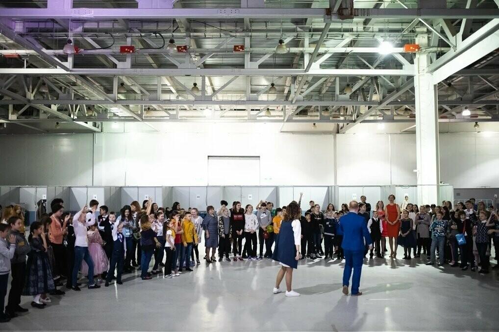 Новогодняя программа для детей-сирот, подготовленная Минпросвещения России в Москве