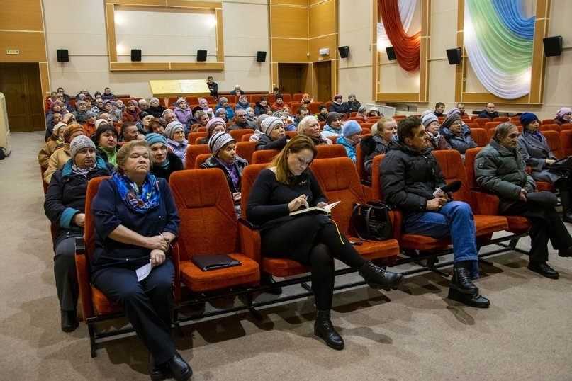 Встреча руководства муниципалитета с жителями Яреги, Фото предоставлено пресс-службой АМОГО «Ухта